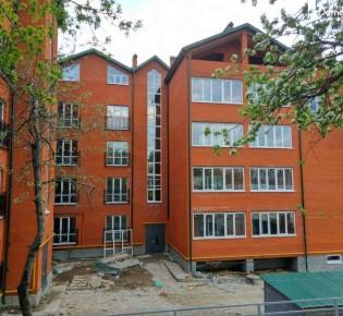3-комн. квартира, 77.3 м², 2/5 эт.