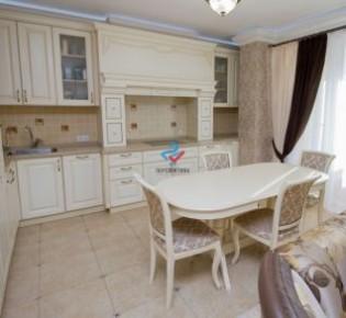 3-комн. квартира, 76 м², 4/9 эт.